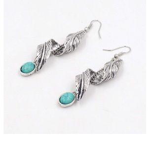 Jewelry - Turquoise Bead Tribal Earrings